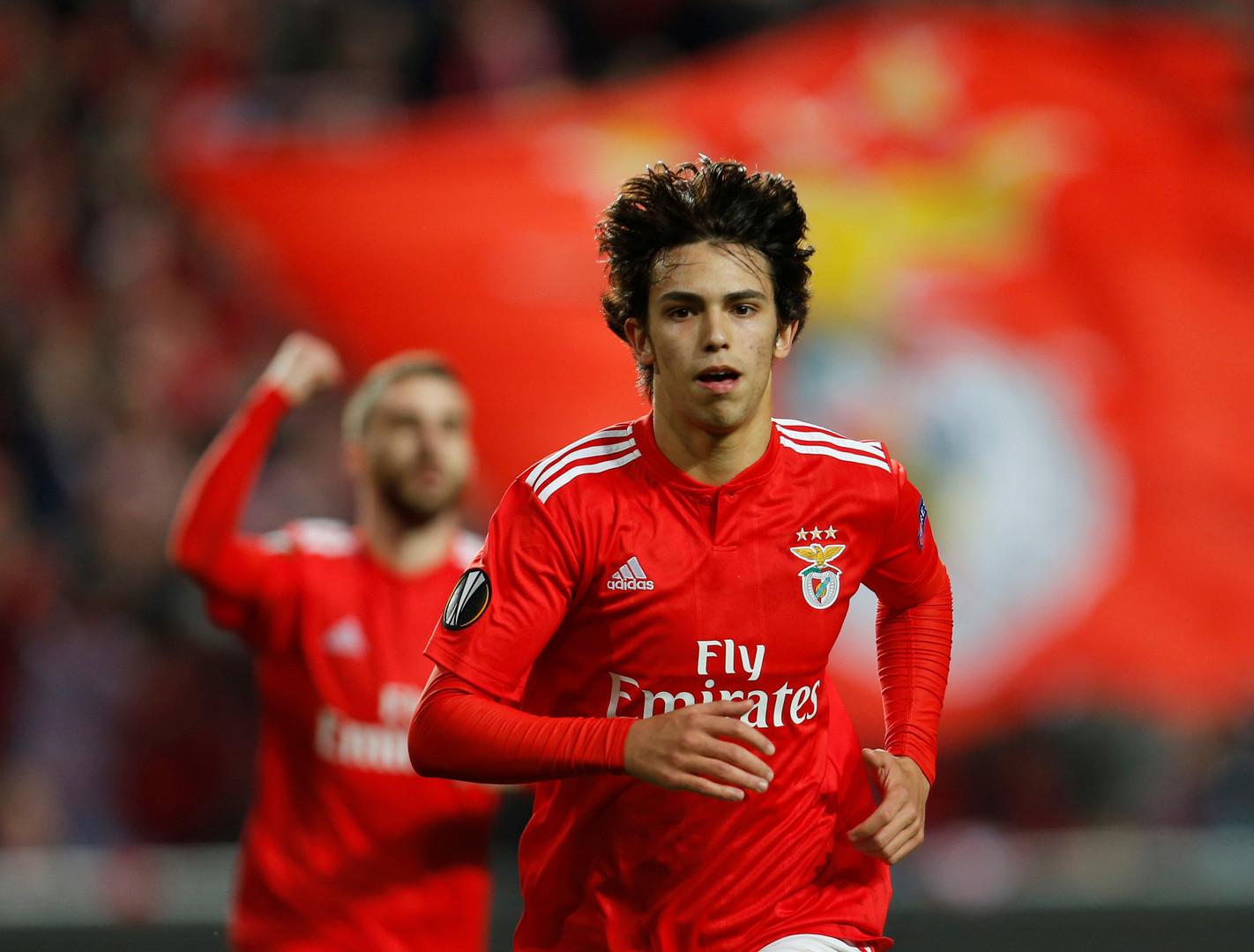 بسبب كلمتين طرد ينهي اللاعب البرتغالي جواو فيليكس مشاركته في ١٢ لقاء قادم