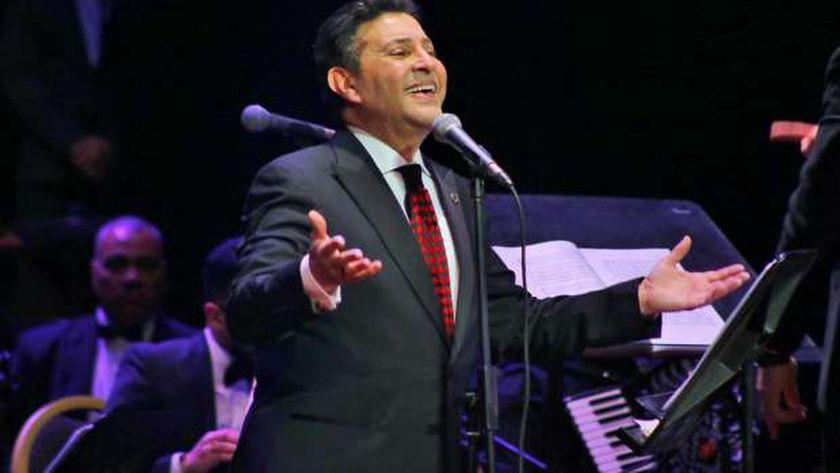 هدد نقيب الموسيقيين هاني شاكر محمد رمضان لا شيء فوق القانون